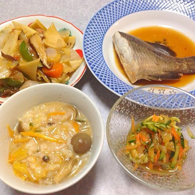 ソイの煮付け、 タケノコたっぷり中華風野菜炒め、 中華風酢の物、 雑炊 です。 - 21件のもぐもぐ - タケノコと魚の晩ご飯 by Orie Ueki