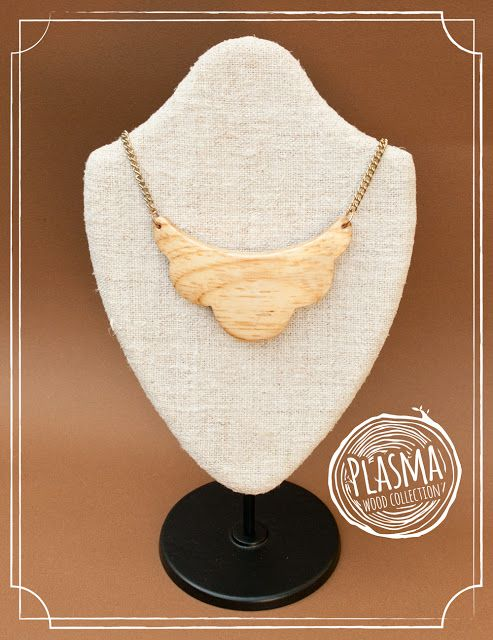 Handmade wood jewelry: Necklaces