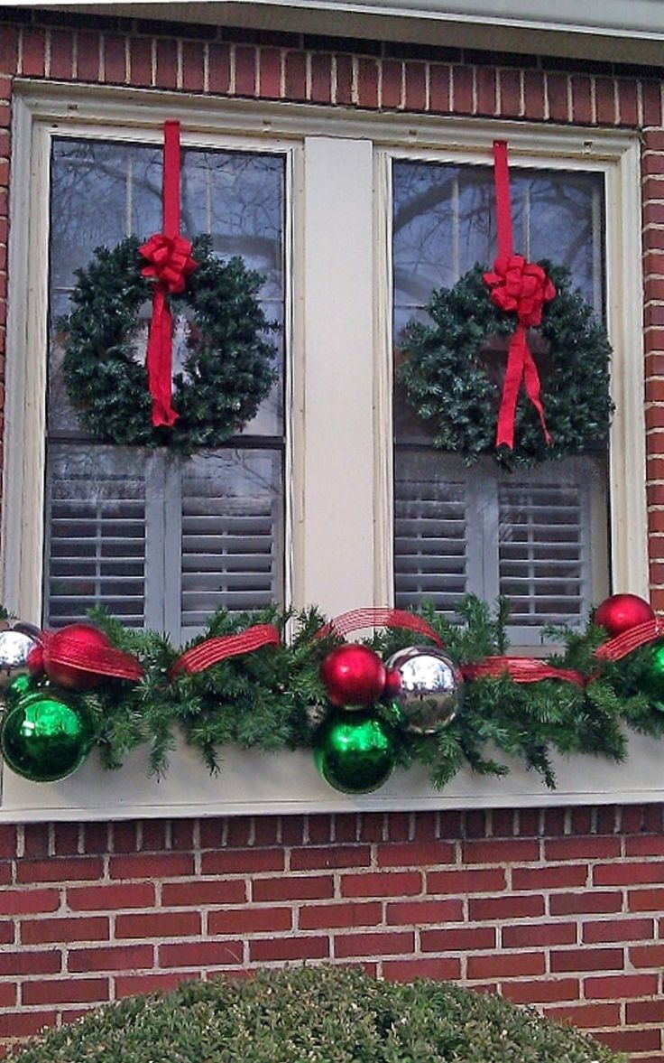 Outdoor christmas window decorations - Decoration Twin Wreaths With Red Bows For Enchanting Christmas Window Decoration Plus Garland Feat Silver