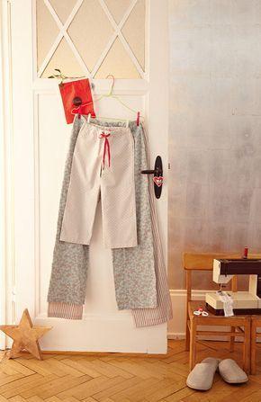 Eine Pyjama-Hose können Sie auch selber nähen. Hier finden Sie eine Anleitung und Schnittmuster für Pyjama-Hosen für Männer, Frauen und Kinder.
