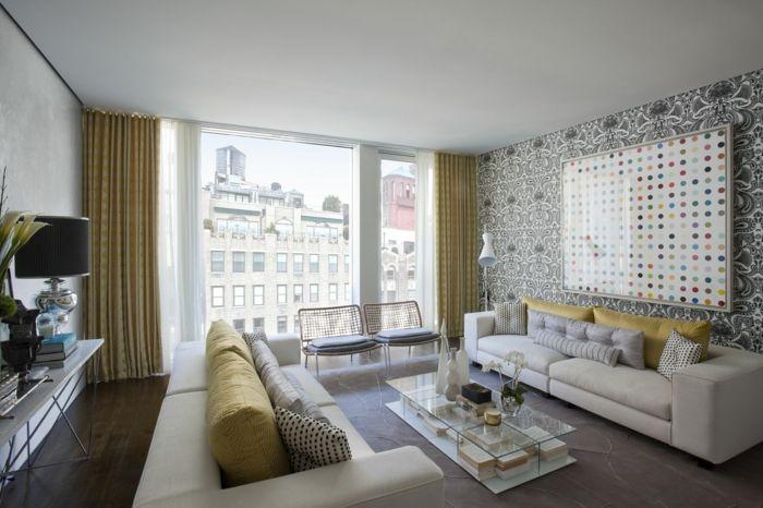 tapetenmuster wohnzimmer wandgestqaltung ideen blickdichte gardinen dekokissen teppich