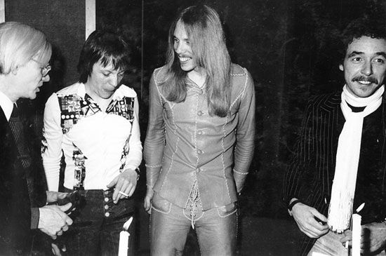 ~Trower retained Dewar as his bassist, who took on lead vocals as well, and recruited drummer Reg Isidore (later replaced by Bill Lordan) to form the Robin Trower Band in 1973.