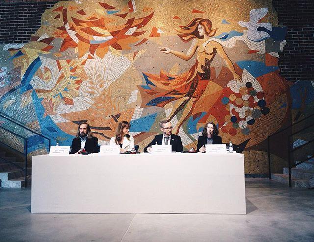 """Тем временем в Музее Garage! 25 сентября открывается выставка """"Луиз Буржуа. Структура бытия: клетки"""" в Музее современного искусства Гараж. #moscow #museum #garagemuseum #mosaic #architecture #art #elledecorationru #exhibition"""