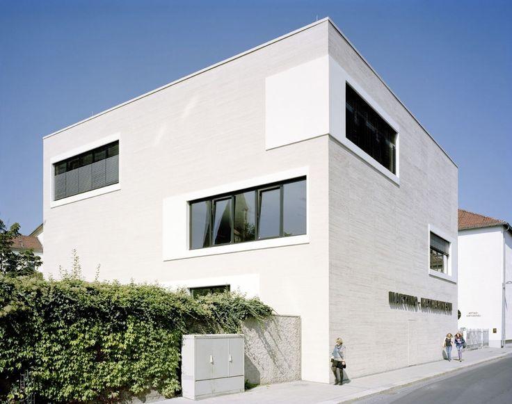 Image 2 of 12 from gallery of Martino-Katharineum High School / KSP Jürgen Engel Architekten. Photograph by Klemens Ortmeyer