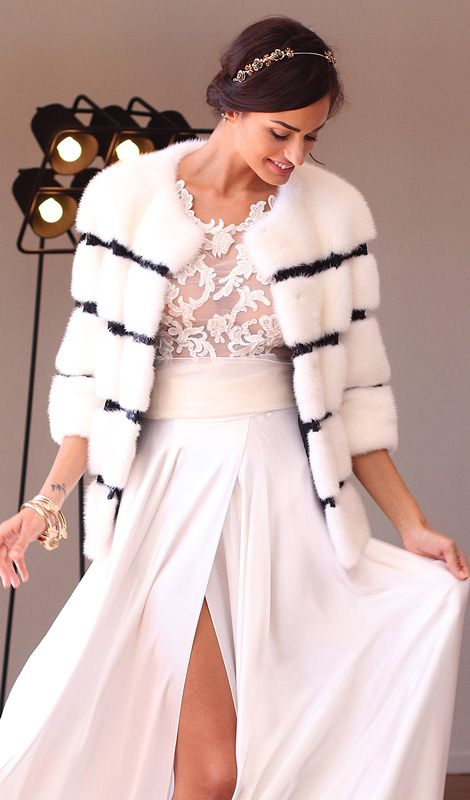 Female Mink Fur with Rebrodè and whole skins. Made in Italy. Skins Quality:KOPENHAGEN PLATINUM; Color: White Royal – Black; Closure: With hooks; Collar: Plat; Length: 58 cm; Code: VIS003A126  * Can create it in all color #elsafur #fur #furs #furcoat #coat #cappotto #peliccia #pellicce #bridal #minkjacket #furcape #sablefur #sablejacket #sablecoat #minkcoat #chinchillafur #orylagjacket #orylagstole #furstole 13 min