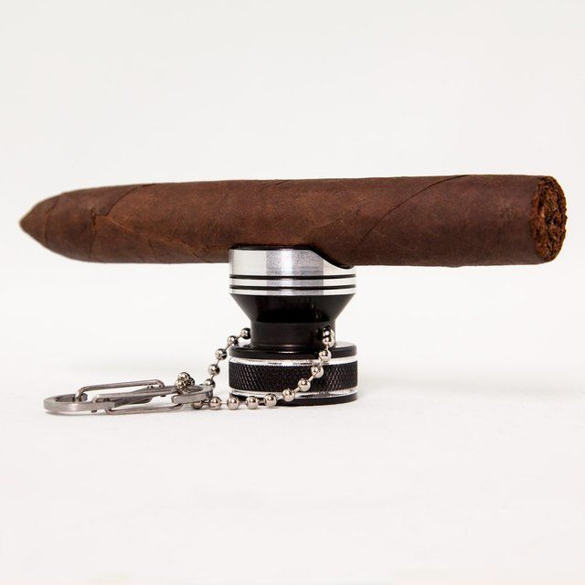 You never have to place your expensive cigar on the table or ground again. This rest ensures that your cigar is positioned to maintain an even burn. 16 x 8.5 x 8.5 cm Please allow 2-3 weeks for shipping.