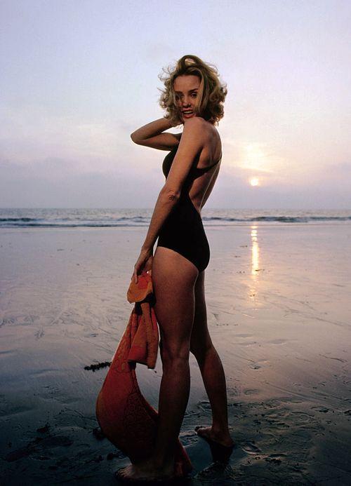 Jessica Lange photographed by Douglas Kirkland, 1976.