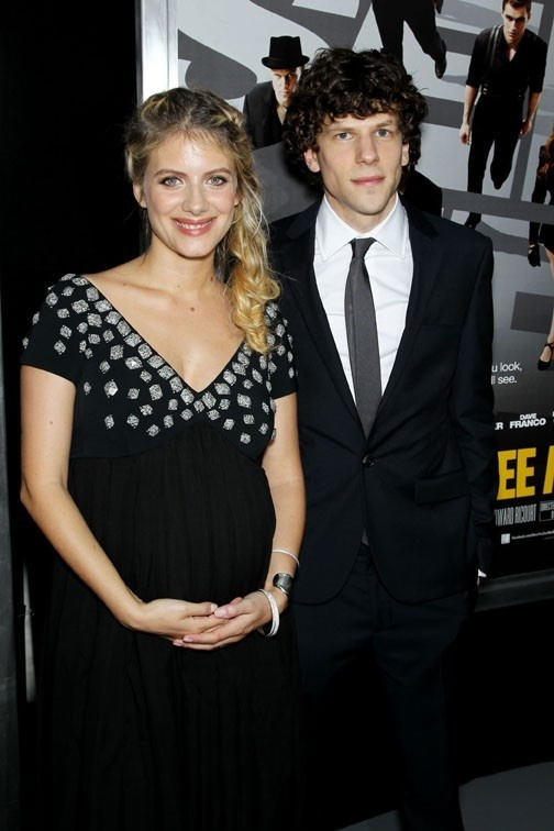 Melanie Laurent, pregnant with her first child, She reveals her baby bump!