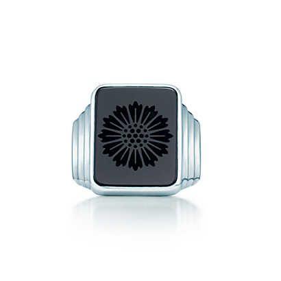 Anillo de sello de margarita Ziegfeld Collection de ónix negro de plata fina.