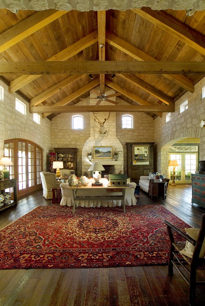 Lovely blend of luxury and rustic charm.  A great example of a Texas Hill Country home.