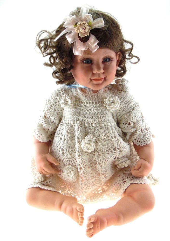 """2001 FAYZAH SPANOS Brown Hair Violet Eyes White Lace Outfit 25"""" Collectible Doll #DollswithClothingAccessories"""