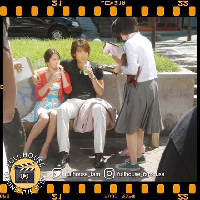 "#Fullhouse Behind the scene #FullhouseFamouse #rain #birain #rain_oppa #songhyekyo #asiangoddess #kbs #kbsdrama #kdrama #TheWeekOnInstagram Hopefully ""Full House""next story with this couple Campaign -  Full episode visit here : https://www.youtube.com/channel/UCsaCzcAT64SfZQHz22YM6qw"