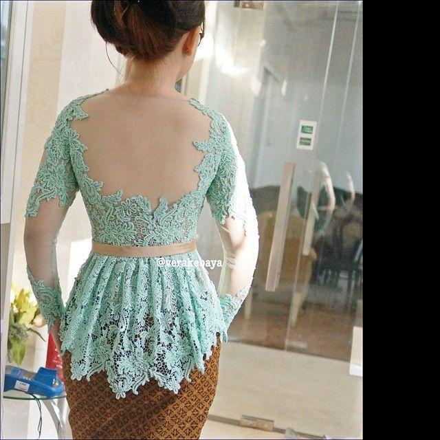 @kuchays ... fitting #kebaya #backdetails #lace #batik #verakebaya