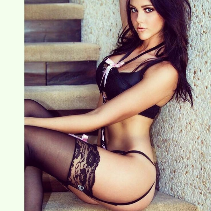 hot brunettes on instagram
