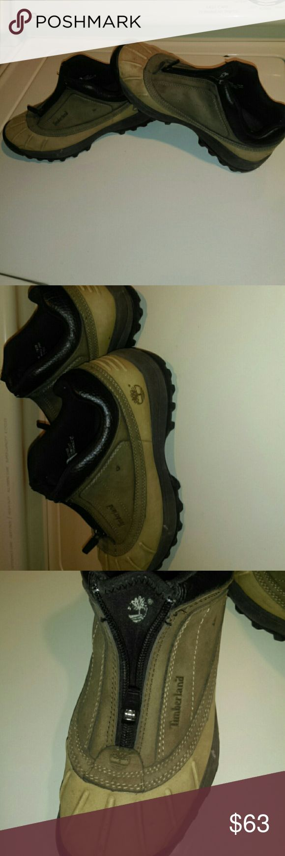 Timberland Duck Boots Used...some soiled spots...ask for addtl pics...no TRADES please...true 6 to 6.5....I wear 6.5-7 n I can wear them with sweatsocks. Timberland Shoes Winter & Rain Boots