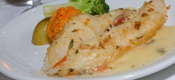 Μπακαλιάρος λεμονάτος με κρεμμυδόζουμο - Φοβερή Συνταγή