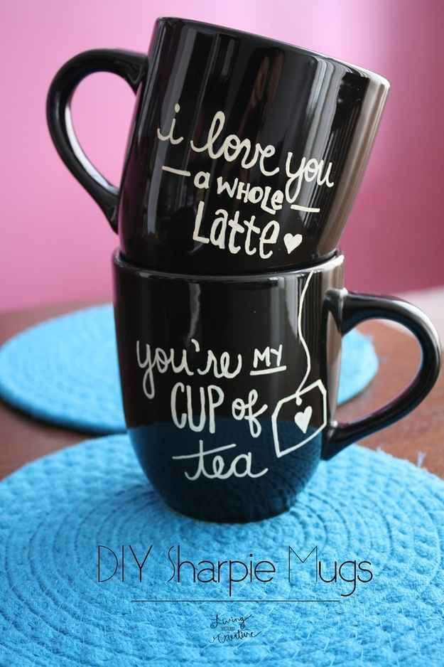 Sharpie Mugs | 40 DIY Valentine's Day Gifts They'll Actually Want I love the black mug with white lettering
