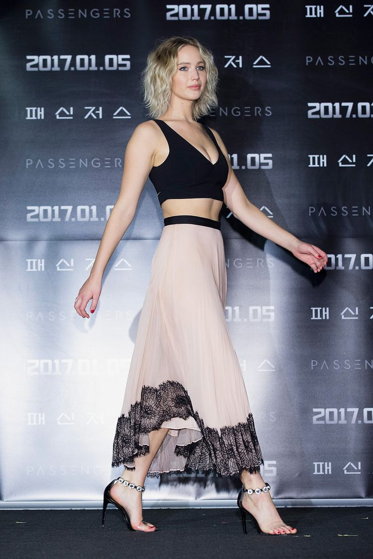 Jennifer Lawrence Has the Perfect Party Crop Top in a crop top that she offset with a boudoir-inspired skirt, both from Cinq à Sept.