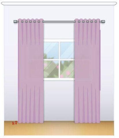 """Certo. """"A cortina ideal apenas toca o chão e deve ter o caimento leve, semelhante ao do voal"""", ensina o designer de interiores Stéfano Barino, do Rio de Janeiro. Mantenha o arraste – a bainha extra – no máximo em 4 cm."""