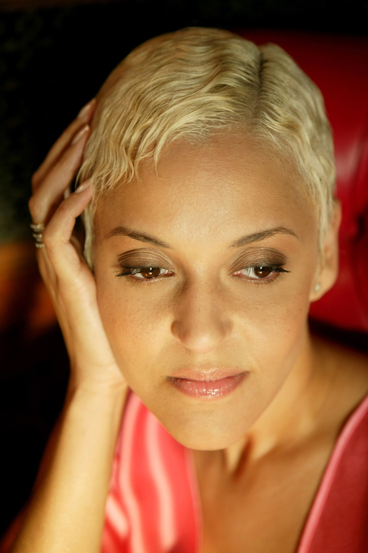 Love the music of Mariza ~ portuguese fado