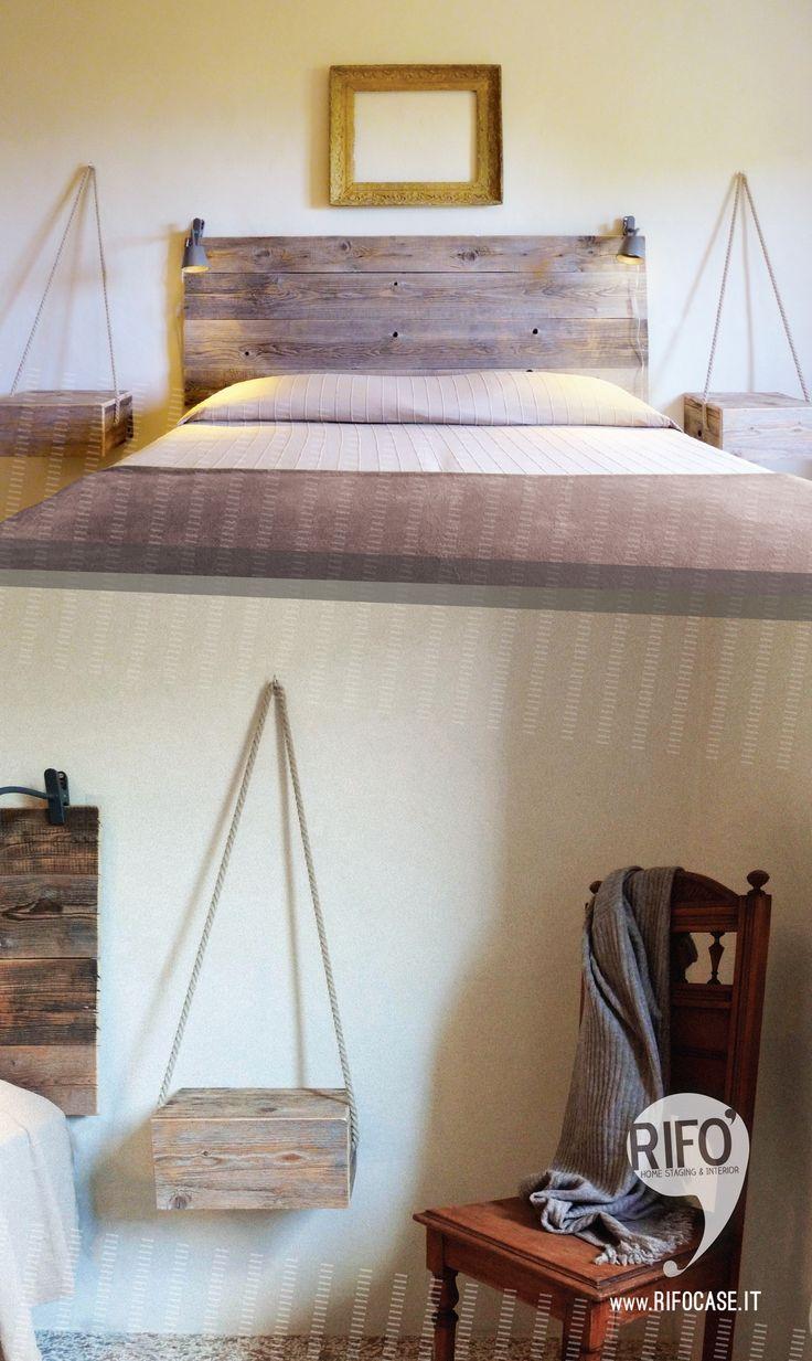 testata con assi legno di recupero  comodini legno e corda cornice oro  -  head board recycled wood and rope gold frame bedside table DIY