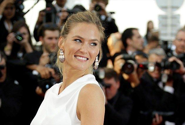 Topmodel is zeven maanden na bevalling al opnieuw zwanger - Het Nieuwsblad: http://www.nieuwsblad.be/cnt/dmf20170329_02806037?_section=62420318