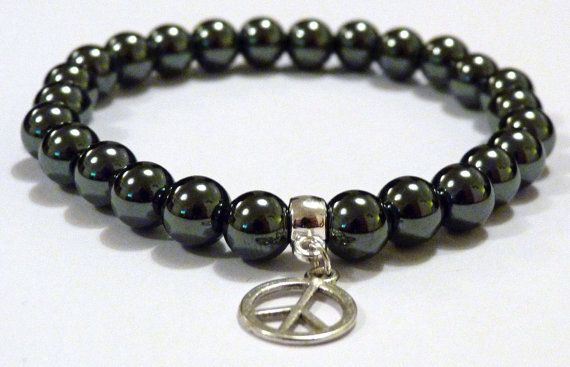 Hematite grounds and protects us. It endows us with courage, strength, endurance and vitality. A stone for the mind Hematite stimulates concentration and focus. Haematite is strong, boosting self-esteem, enhancing willpower and imparting confidence. It is believed to dissolve negativity and transform it into love, making it a perfect stone for building relationships. The iron in Hematite has a strong effect on the blood. Recommended for those with anemia and who need to regroup after jet…