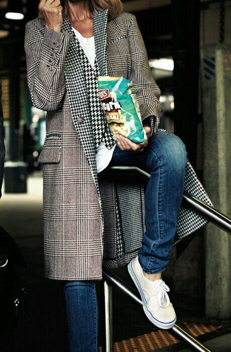 Tee/vest/jacket/jeans/sneaks...I love this coat & look!!