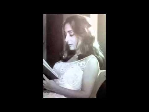 Η Έλλη Λαμπέτη διαβάζει Καβάφη - Ιθάκη - YouTube