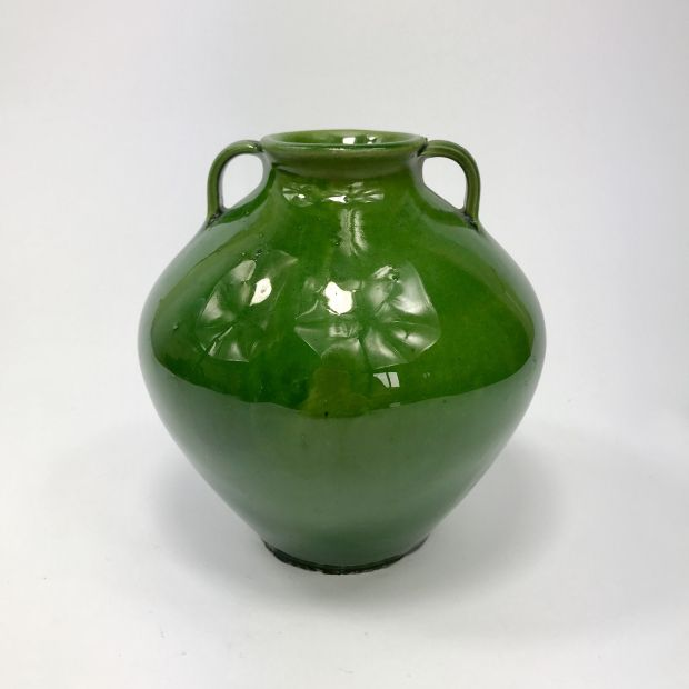 Wazon z zielonym szkliwem, Białystok lata 60-te | Green-glaze vase, Białystok, 60s. | buy on Patyna.pl | #forsale #vintage #vintagefinds #vintageshop #vintagelove #retro #old #design #home #midcenturymodern #want #amazing #home #inspiration #kitchen #decoration #furniture #ceramics #porcelain #green #glaze #polish #prl #vase #60s #1960s #zbiór