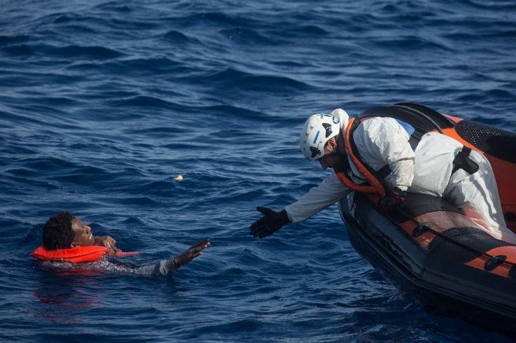 Flüchtlingsretter im Mittelmeer: Das Moraldilemma - SPIEGEL ONLINE - Politik