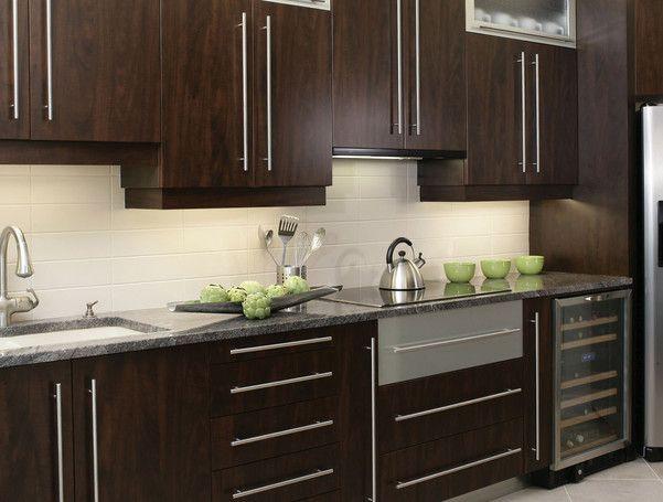 1000 id es propos de comptoirs en granit sur pinterest for Caisson armoire de cuisine