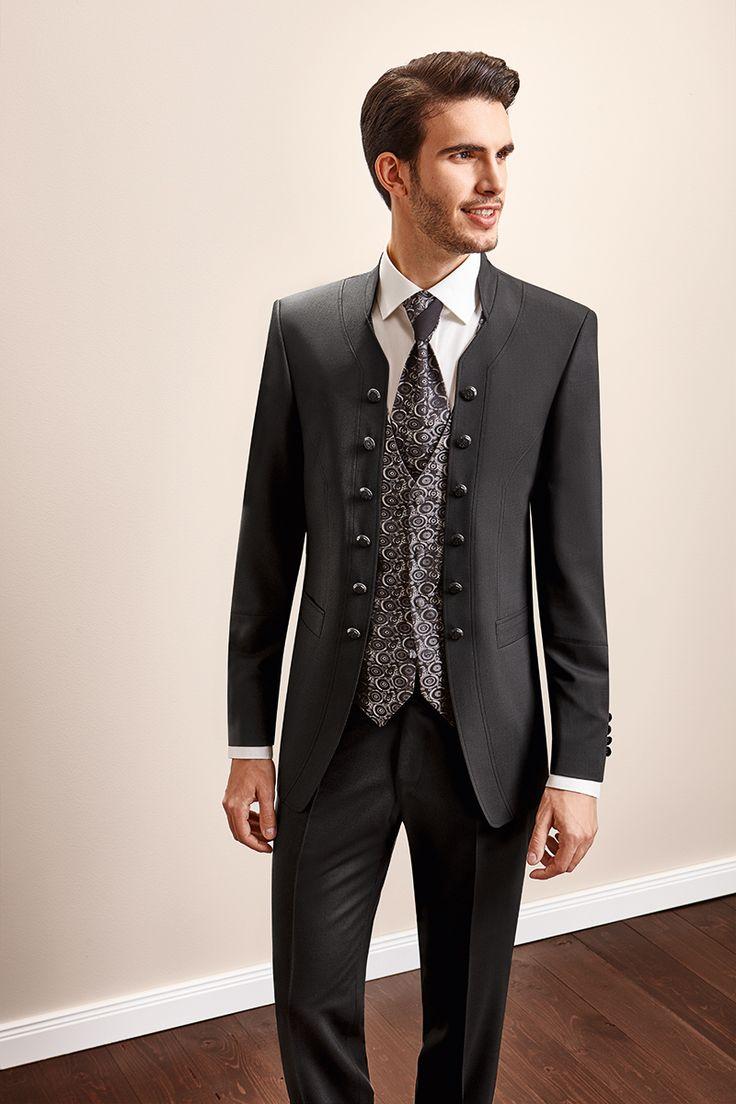 www.tziacco.de | #TZIACCO #WILVORST #Anzug #suit #Royal #TrendLine #Hochzeitsavantgarde #Uniform #jungeMode #Event #Konzert #Gala #Gehrock #tailcoat #Trend #König #Inspiration #makingof #hinterdenkulissen #trends2016 #wedtime #ootd #love #fotoshooting #suit #suitup #hochzeitsanzug #wedding #weddingsuit #groom #bräutigam #hochzeitslook #wedtime #weddingtime #wedding #hochzeit #hochzeitslook #hochzeitsmode #new #menswear #jungemode #trends2016