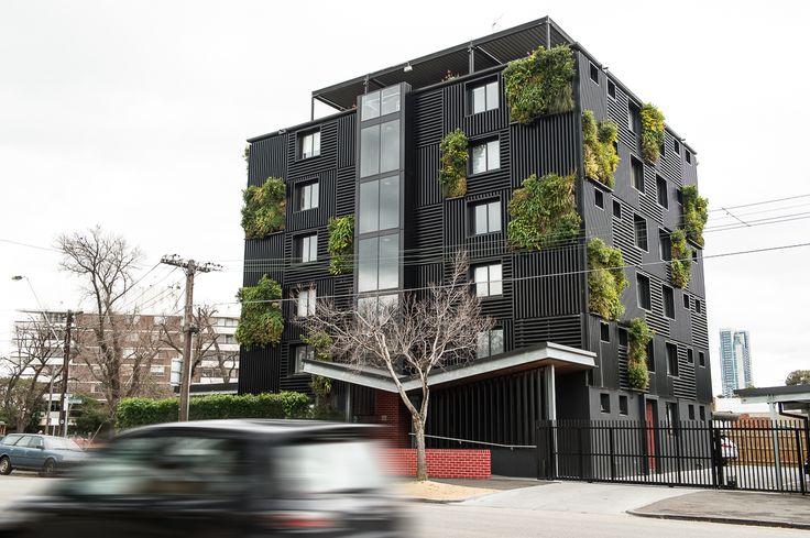 Green panels @ The Block