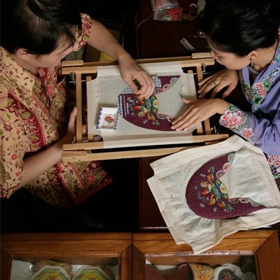 Learn about the Peranakan culture beyond the food and try your hand in making the intricate crafts using colorful beads in Singapore!