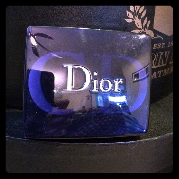 Dior Makeup Case (Empty) Dior empty makeup/eyeshadow/blush/power case.  Excellent condition! Dior Makeup