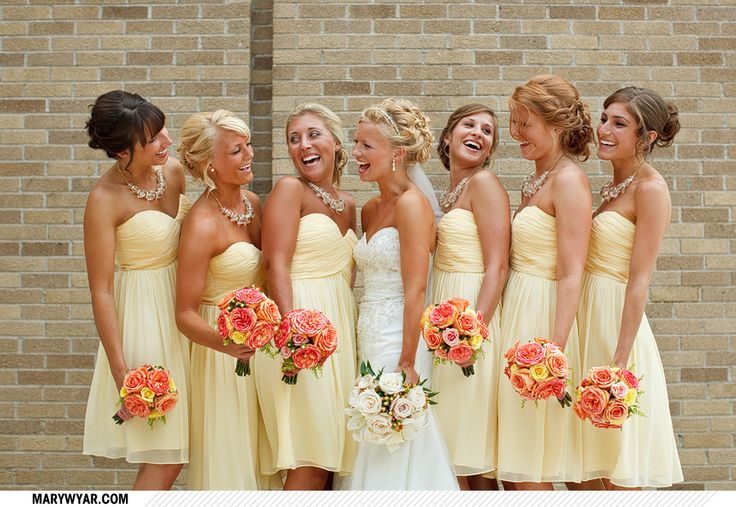 OBSESSED!Yellow Bridesmaid, Colors Combos, Summer Wedding, Bridesmaid Dresses, Happy Colors, Colors Schemes, Wedding Colors, Pale Yellow, The Dresses