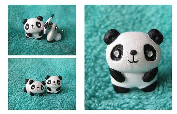 Deux pièces boucles doreilles de Panda. Ces petites mignonnes Panda sont fait à la main et plein de mignon et câlin et lair si adorables comme ils                                                                                                                                                     Plus