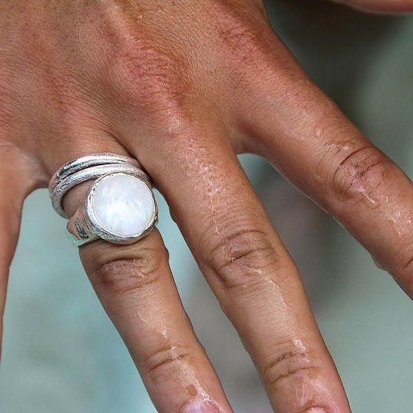Mood ring from Daniella Draper Jewellery