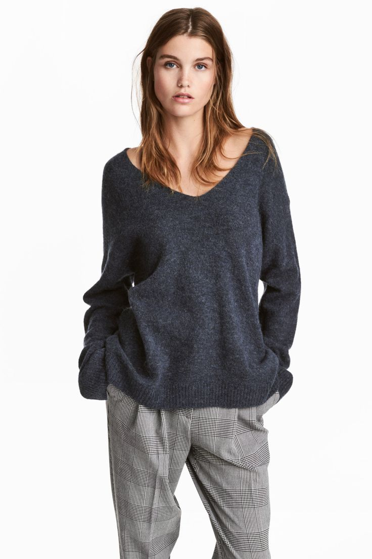 Camisola malha fina (marinho): H&M (19,99€)