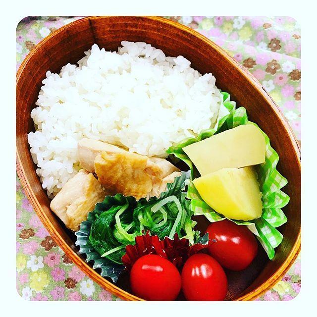 少し前のお弁当(๑˃̵ᴗ˂̵) #お弁当#ランチ#ランチbox#lunch#手作り#オシャレ#おいしかった#トマト#じゃがいも#煮物#鶏肉#肉#お浸し#料理#クッキング#クッキングラム#インスタフード#わっぱ弁当