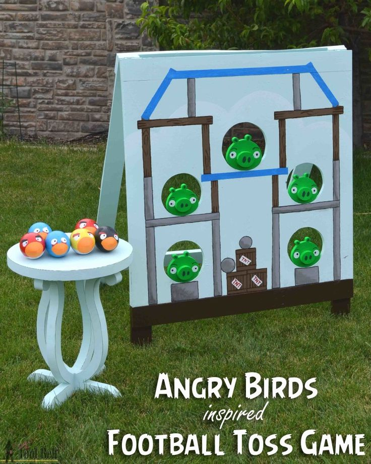Knock out those bad piggies! Angry bird inspired football toss game, free plans and tutorial.
