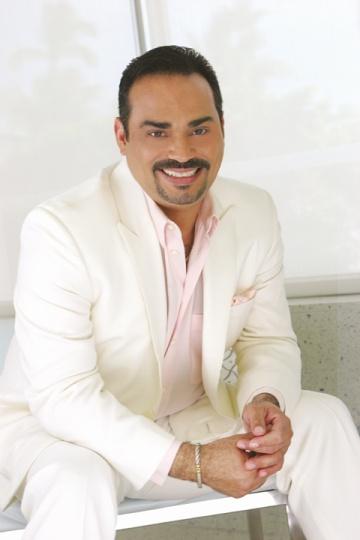 """Caballero de la Salsa"" Gilberto Santa Rosa"