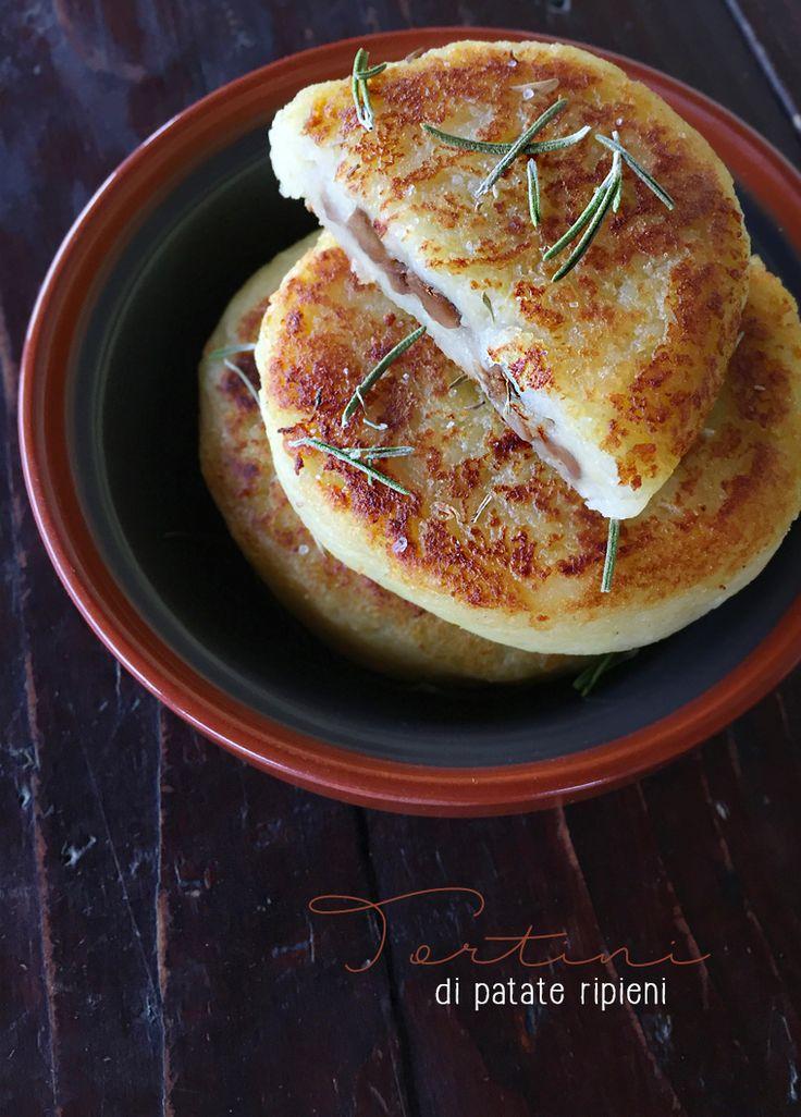 tortini di patate ripieni * potato cakes stuffed with mushrooms