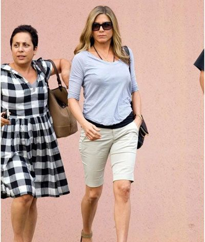 Jennifer Aniston Without Makeup In A Cotton Dress