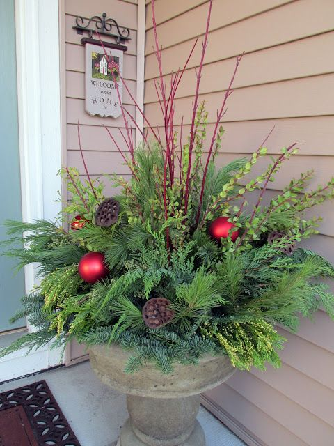 Winter container garden with fresh evergreen (Photo credit: Karen Geisler)