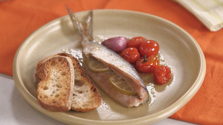 Coentro e gengibre dão um toque especial para o pescado. Confira a receita com Rita Lobo!