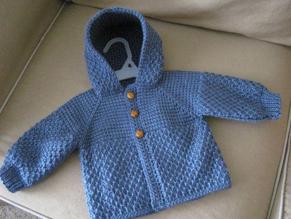 RESERVADO para Janna - ganchillo azul niño suéter con capucha. 0-6 meses en tunecino ganchillo - hecho a mano