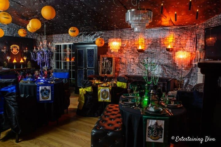 20 Awesome Harry Potter Party Ideas Entertaining Diva From House To Home Harry Potter Halloween Decorations Harry Potter Halloween Halloween Bar