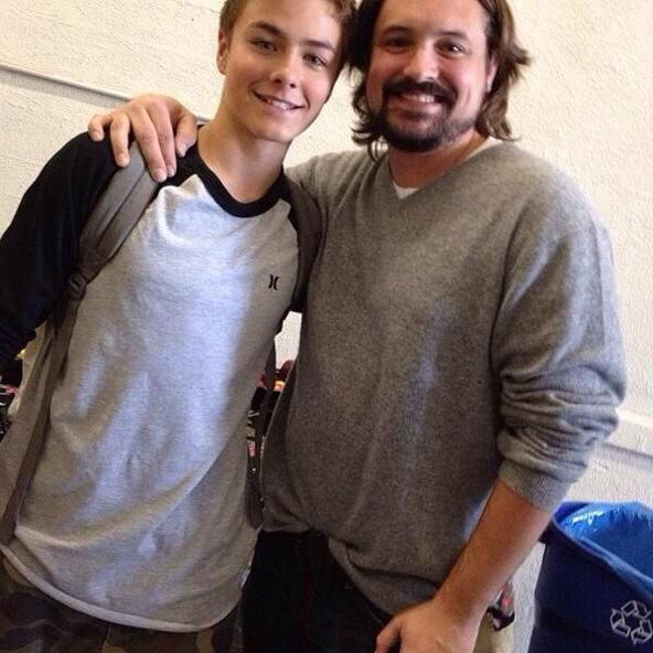 Peyton Meyer (Lucas Friar) pictured with Will Friedle.